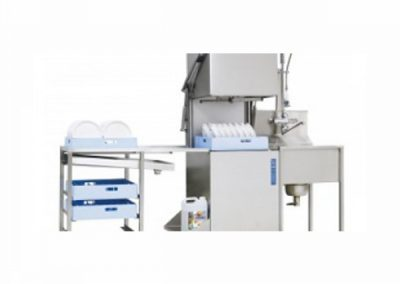 Doorschuifmachine met aan en afvoertafel